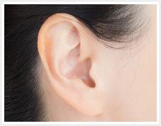 耳の中や耳たぶにできるニキビの原因は?